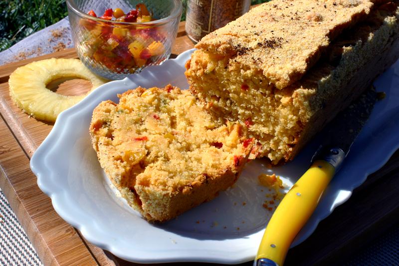Cake de maïs aux piment d'espelette, ananas et poivrons