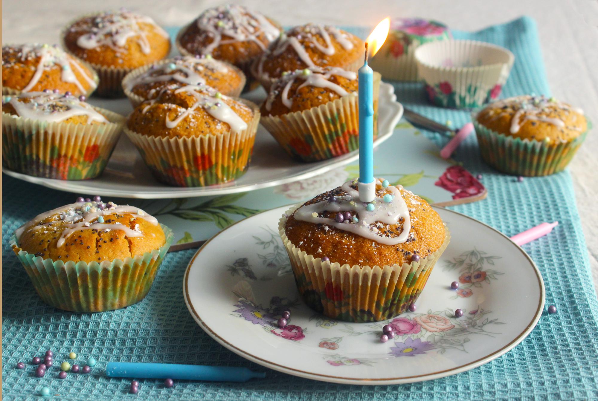 C'est mon anniversaire ! Muffins vegans aux graines de pavot & gelée de cassis