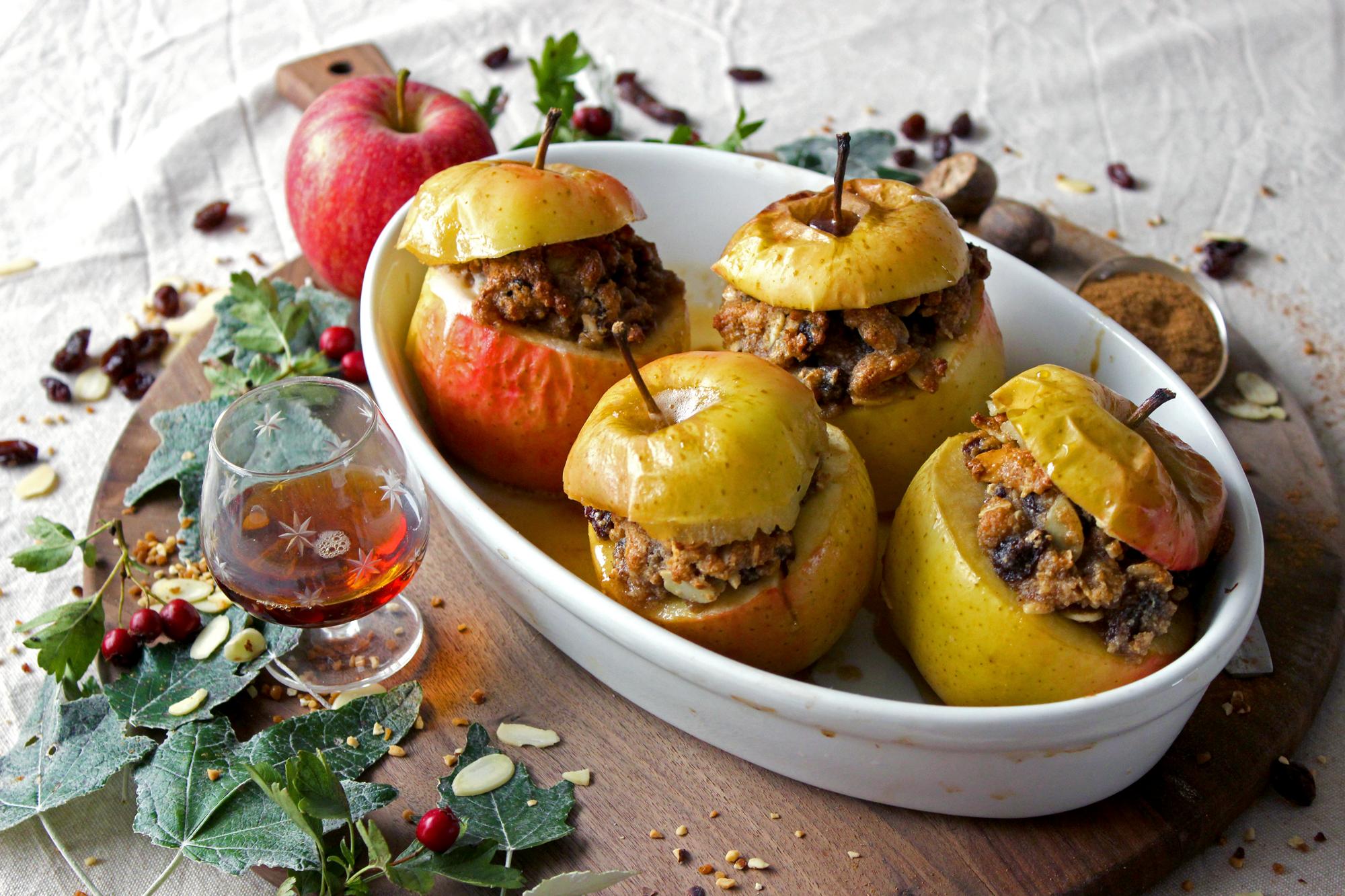 Pommes épicées farcies aux Amandes, aux Raisins et au sirop d'érable