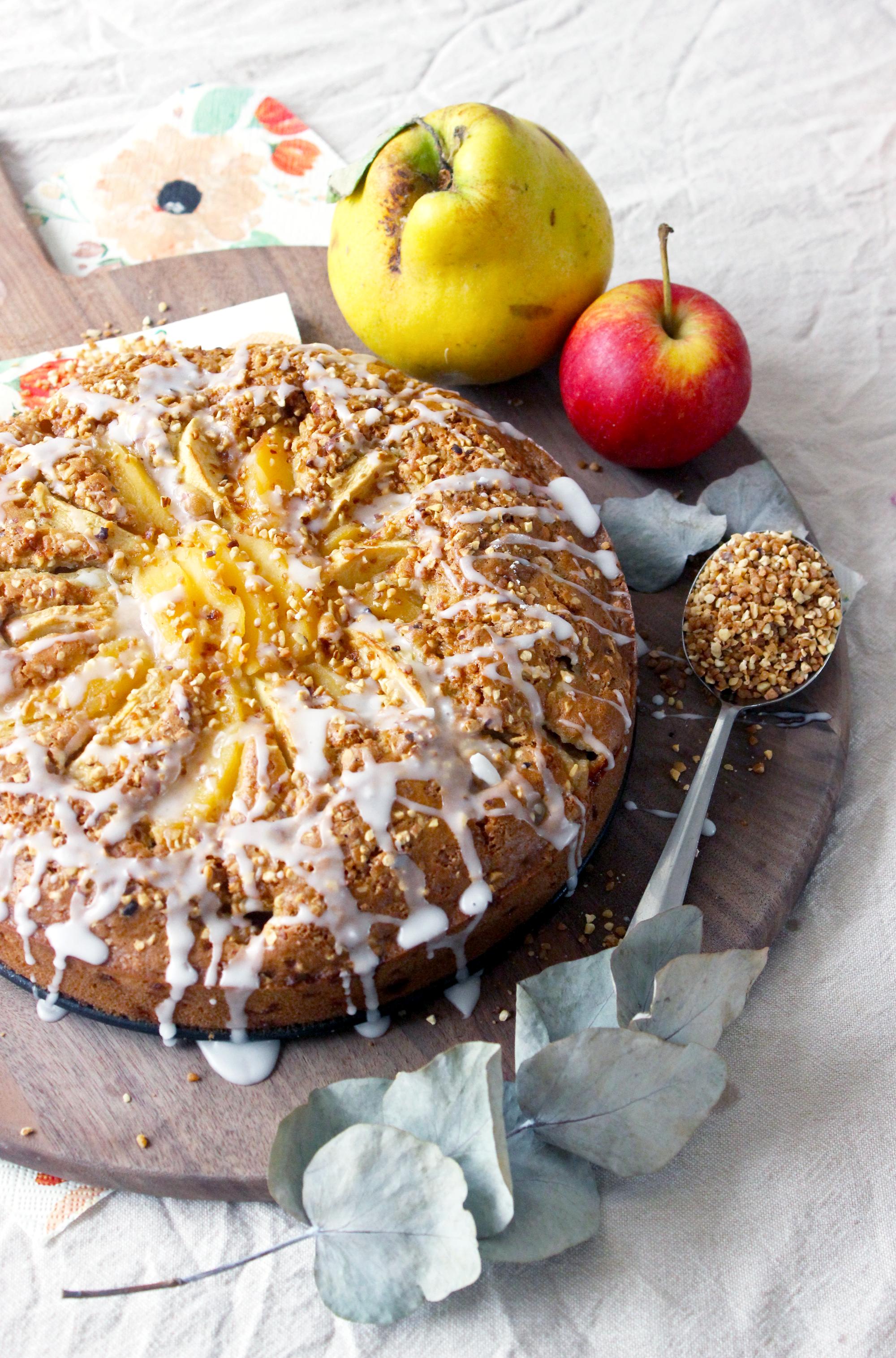 Gâteau Moelleux aux Coings, Pommes et Pralin