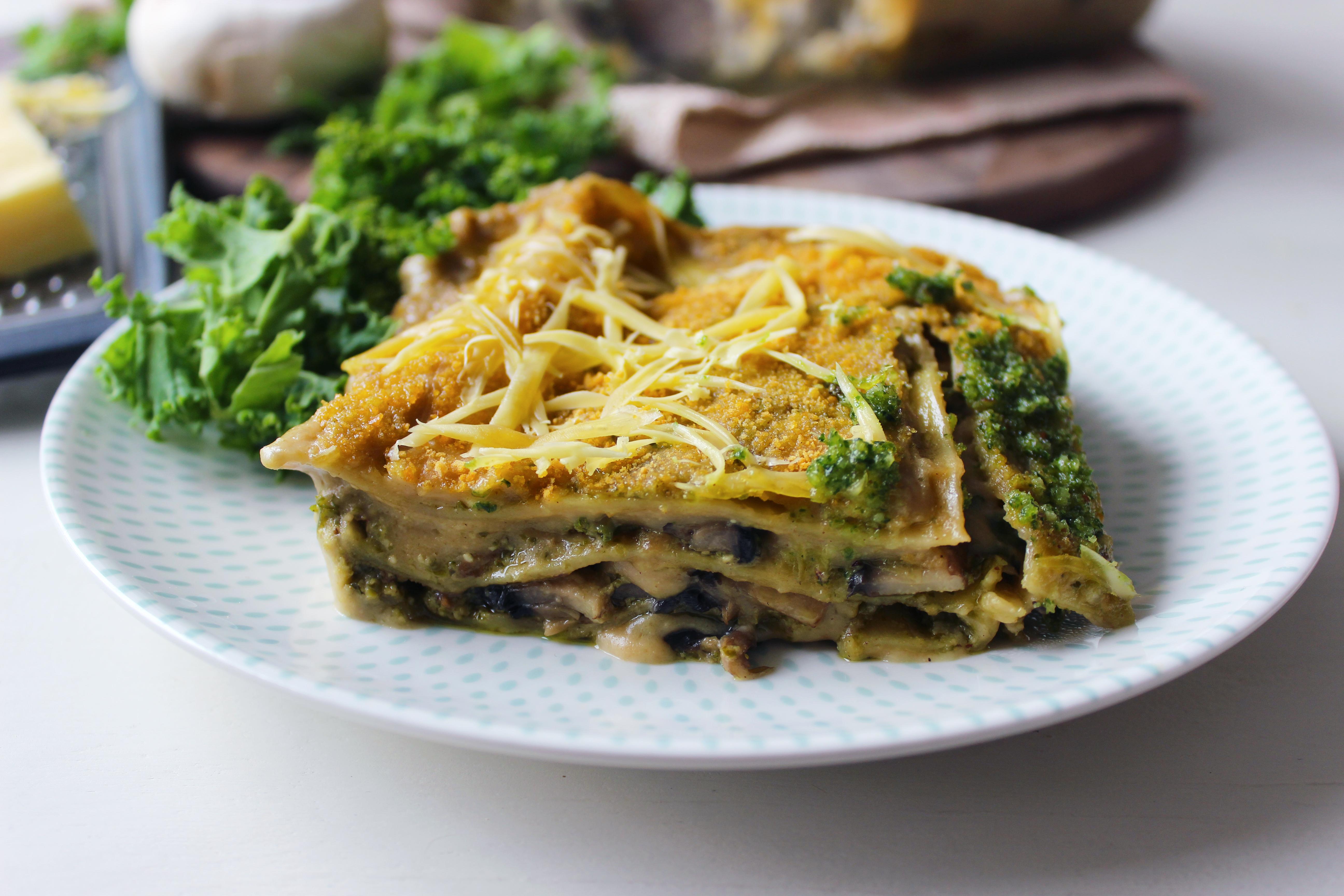 Lasagnes au pesto de kale, bechamel et champignons (vegan)