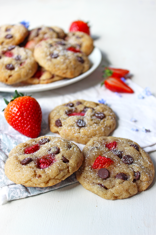 Cookies aux fraises et pépites de chocolat (vegan)