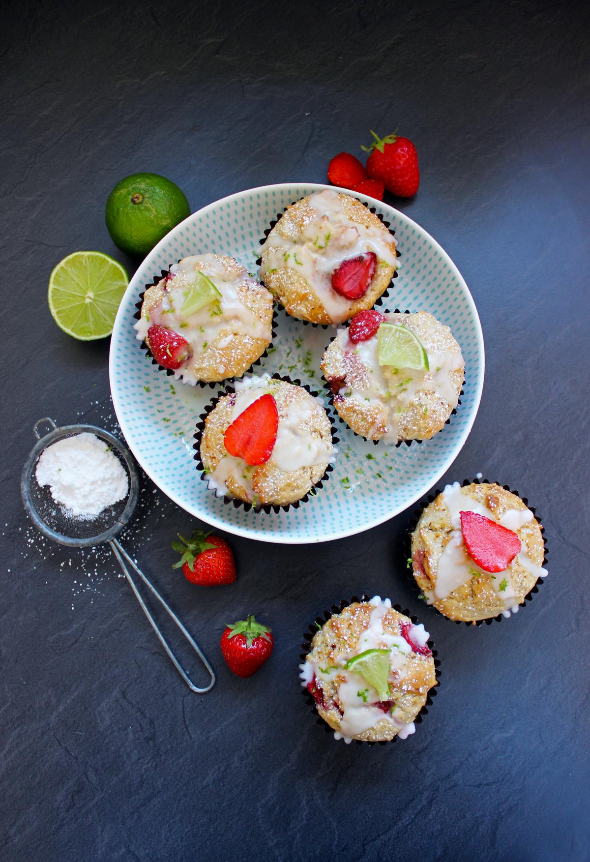 Muffins moelleux au citron vert et aux fraises