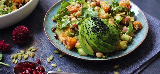 Salade de quinoa, butternut rôtie et grenade aux épices